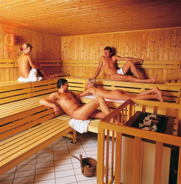 видео и фото голых в общественных банях
