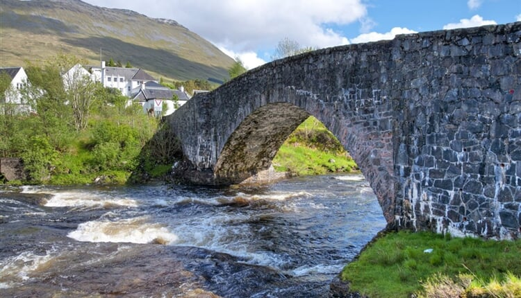 skotsko-bridge-of-orchy
