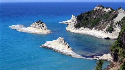 Skaliska okolo Korfu